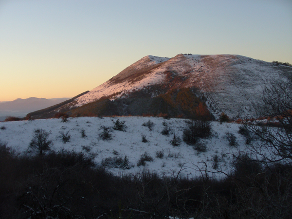 Залез над връх Стража