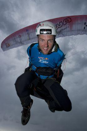 Athlete: Christian Maurer; Event: Red Bull X-Alps; Discipline: Paragliding; Photocredit: (c)Vitek Ludvik/Red Bull Photofiles; Location: Gaisberg, Salzburg, Austria