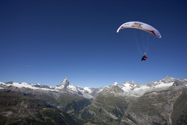 Athlete: Event Participant; Event: Red Bull X-Alps; Discipline: Paragliding; Photocredit: (c)Olivier Laugero/Red Bull Photofiles; Location: Mattertal, Switzerland