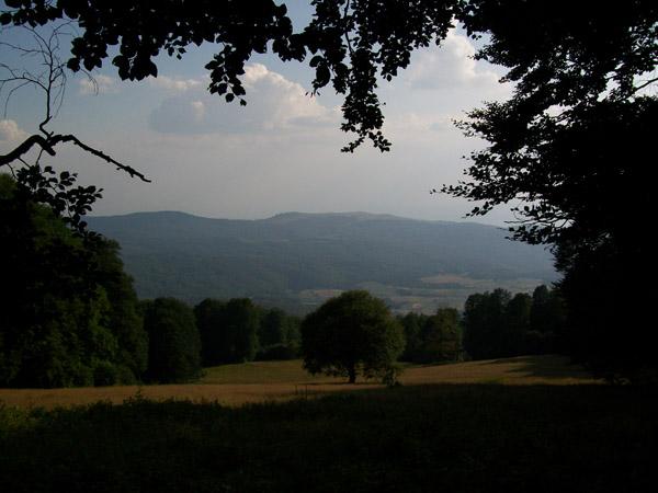Средна Гора - гледка от вр. Богдан / източник: Wikipedia Commons