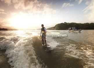 Гари Саведра сърфира из Панамския канал