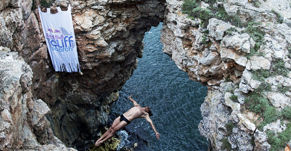 Red Bull Cliff Search - Day 3 - Cavedive - Todor Spasov