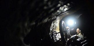 Моносайкъл в пещера