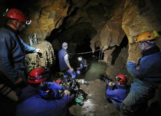 Пещерно спасяване