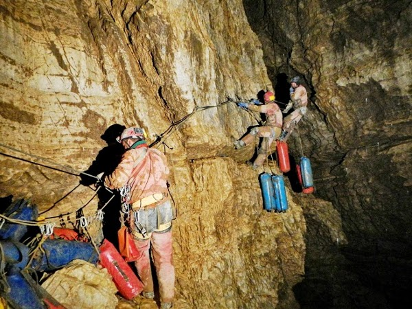 5. Yury Kasyan, Ukraina - Krubera Voronia cave 2 - Abkhazia