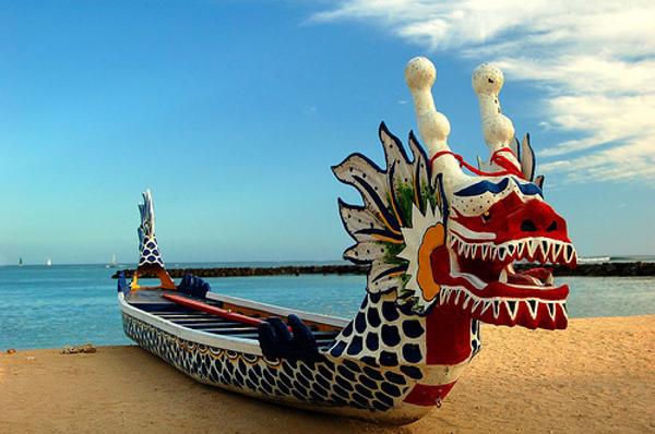 Драконови лодки