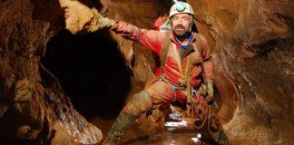 Спасиха пострадал след 12 дни в най-дълбоката пещера в Германия