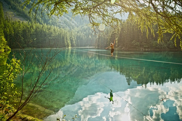 the-glassy-lake-indicates-perfectly-still-air