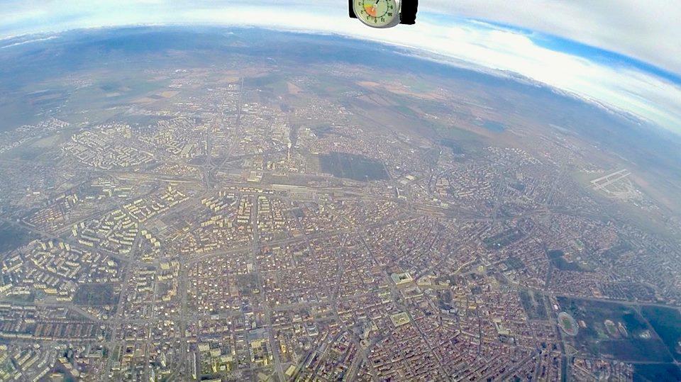 Германеца направи уингсют полет над София