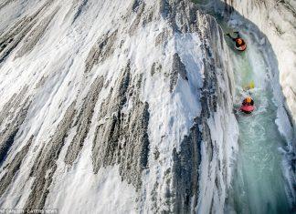 Бодиборд по най-големия ледник в Европа