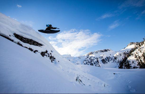 Каяк на сняг