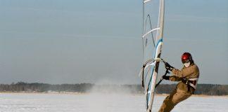 С уиндсърф по леда