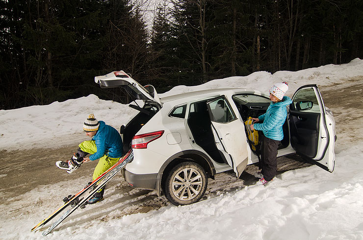 Един от онези работни дни, Nissan, Руслан Вакрилов и Ана Христова