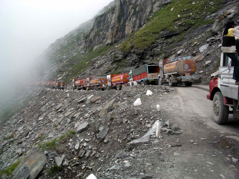 Най-опасните пътища в света - проходът Ротанг, Индия