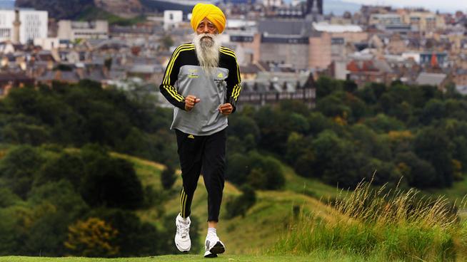 Индиецът Фауджа Синх, най-възрастният човек, участвал в маратон