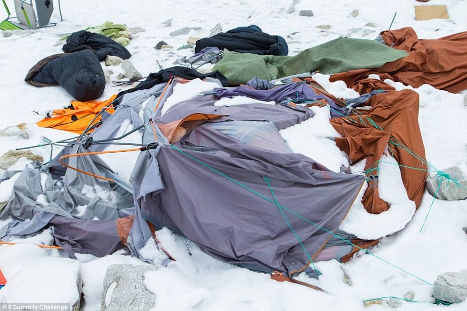 Снимки от лавината на Еверест