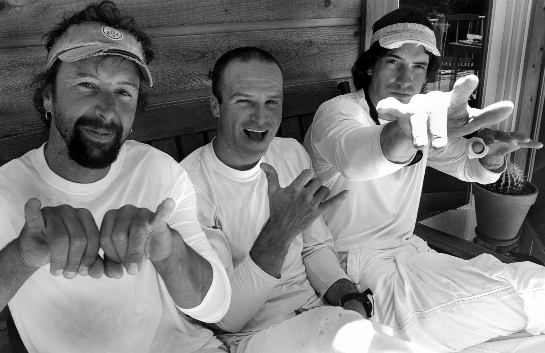 Иво Нинов, Дийн Потър и Еъмън МакНийли след първото соло изкатерване на Reticent Wall Credit: Dean Fidelman