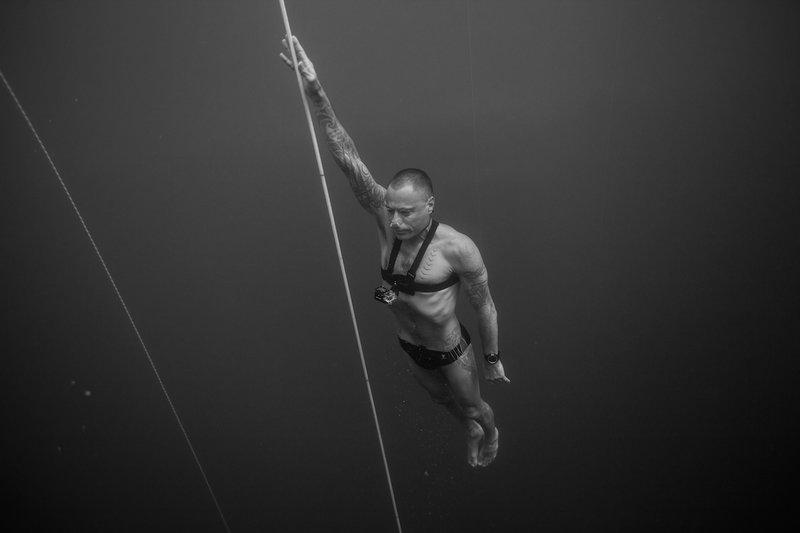 Гмурнете се в най-дълбоката синя дупка - Стиг Придс