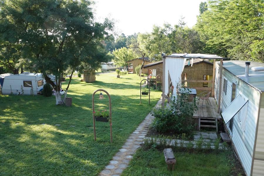 Из къмпингите на България: Якото място