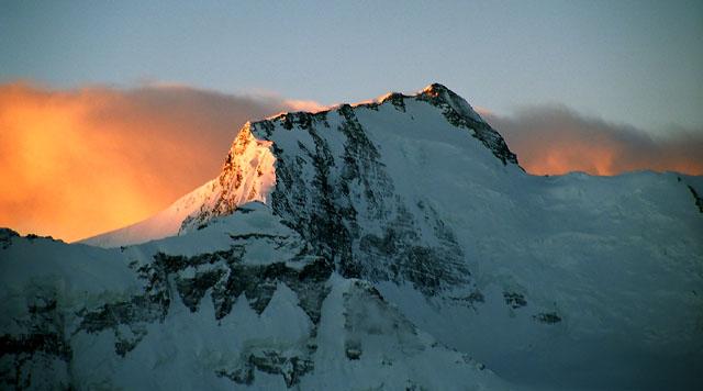 връх Исмаил Самани (Комунизъм, 7495)