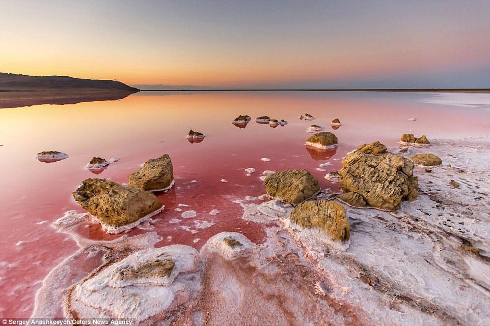 Марсианското езеро; Снимка: Sergey Anashkevych