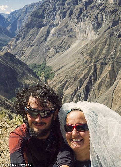 Сватба срещу приключение