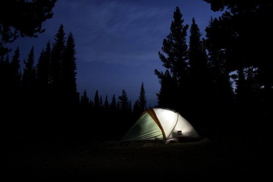 Палатка, нощ