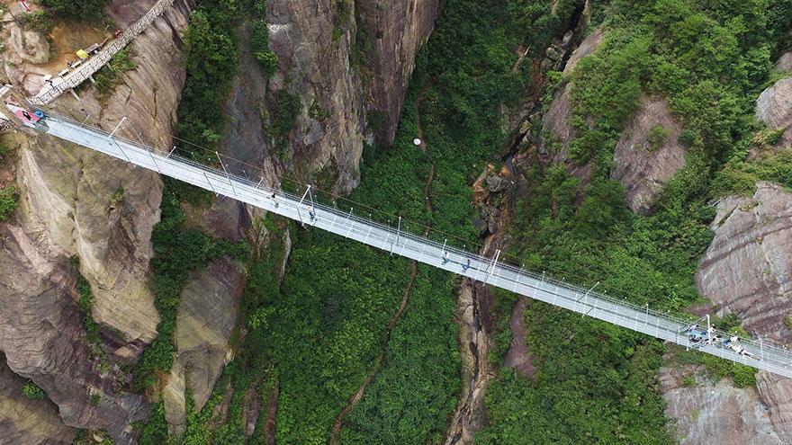 Стъклен мост в Китай