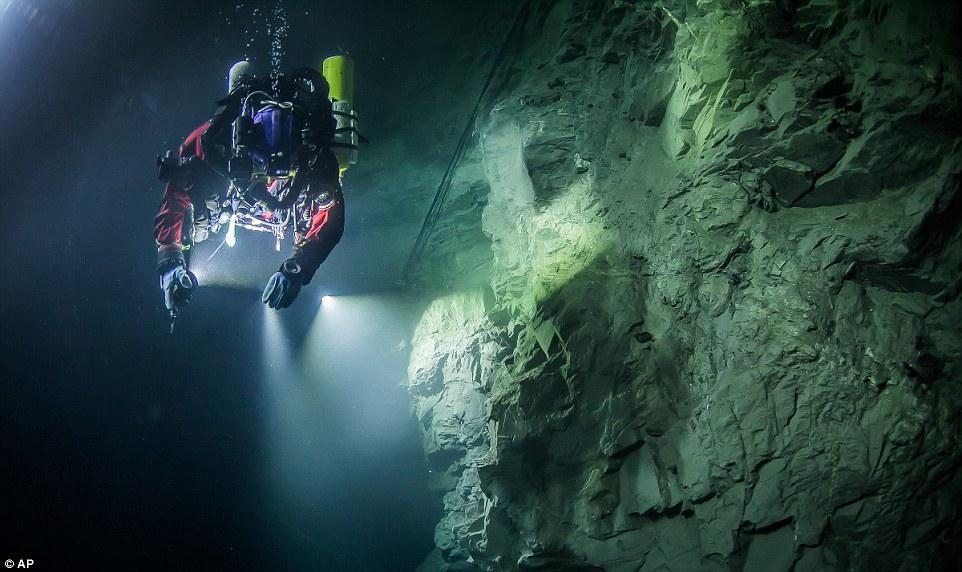 Най-дълбоката подводна пещера