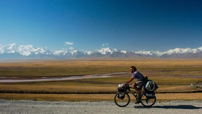 62 000 км през 48 държави с колело