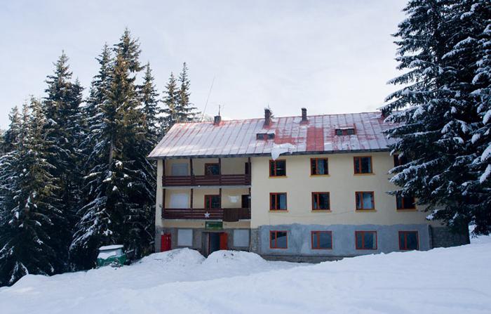 Хижа Каменица през зимата