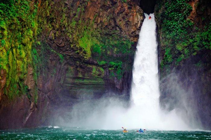 Рафа Ортиз спуска Big Banana Falls