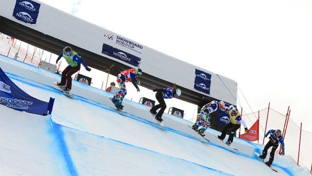Александра Жекова сноуборд крос старт