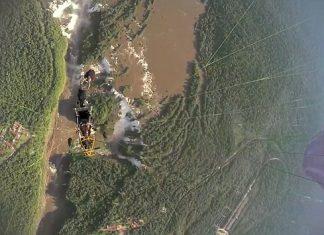 С парапланер над най-големите водопади в Бразилия