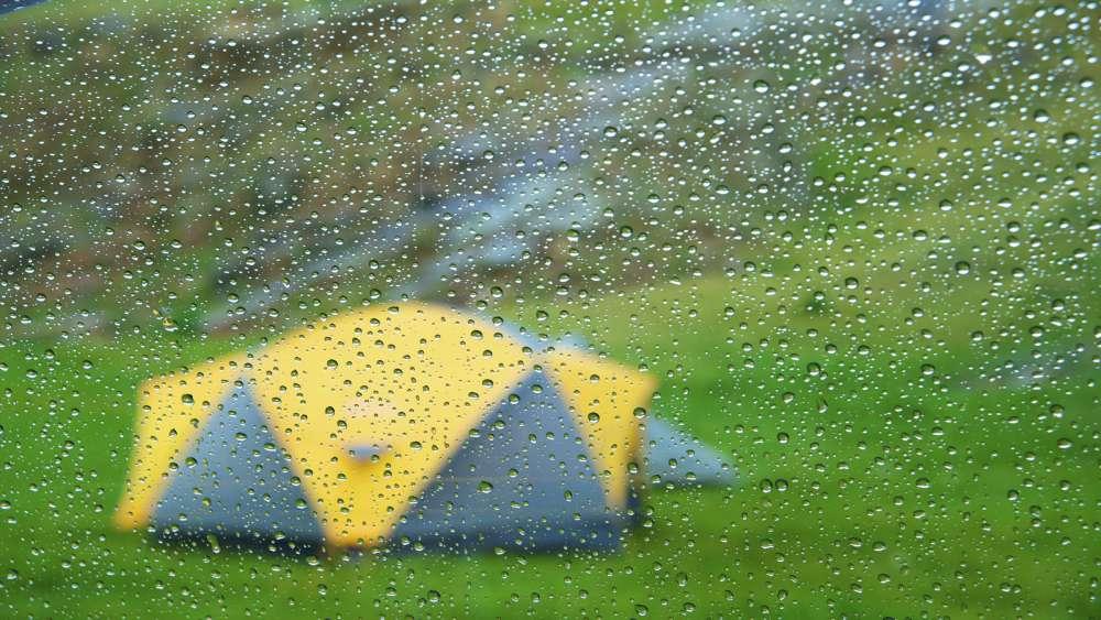 Дъжд, къмпинг