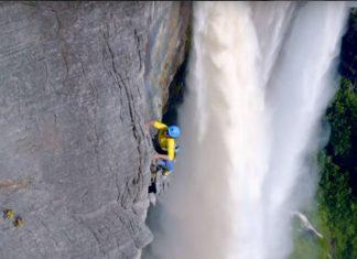 Катерене по най-високия водопад в света