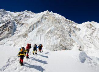 Опит за рекорд на Еверест