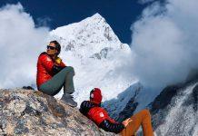 Спускане със ски от Лхотце