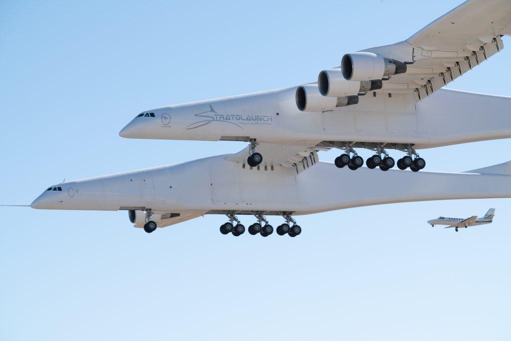 Първи полет на най-големия самолет в светаПърви полет на най-големия самолет в света