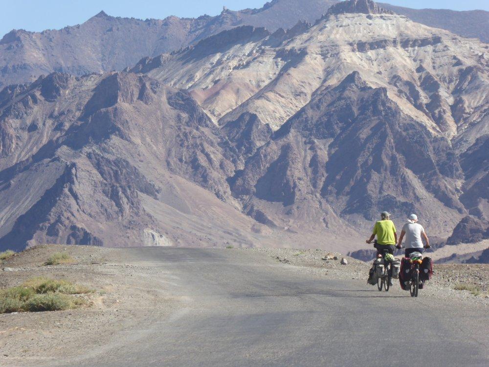 Пенсионери с велосипеди