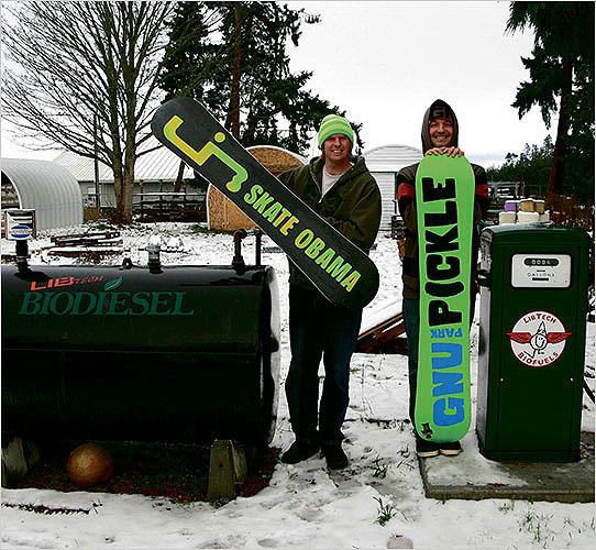 green-snowboarders1