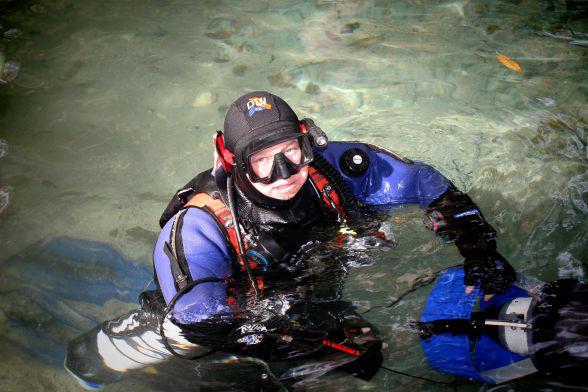 Световен рекорд за най-продължително гмуркане с бутилки в открита солена вода