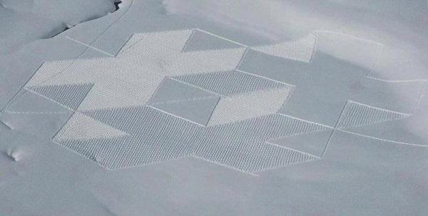 Изкуство върху сняг от Саймън Бек