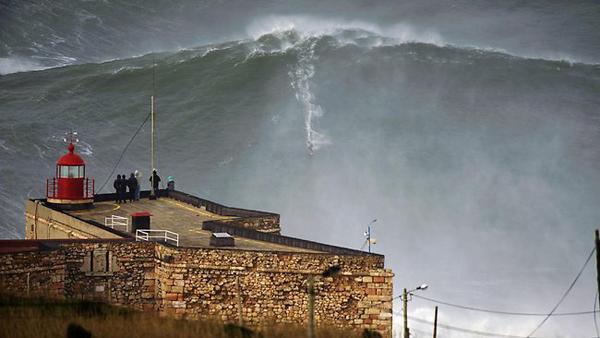 garrett mcnamara Big Wave Surfing Record 2013