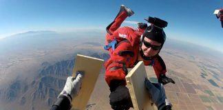 Ерние Торес - парашутистът каратист