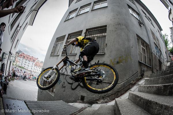 Градско даунхил състезание по улиците в Братислава