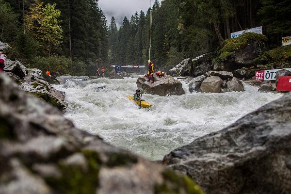 Световния шампионат по екстремен каяк в Австрия
