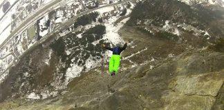 Бейсжъмп скок с надуваеми снегоходки Smallfoot
