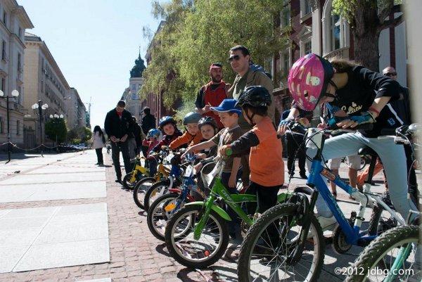 "Детско вело състезание ""Зелени дни 2014"""