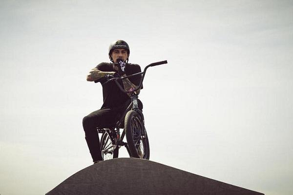 BMX легендата Хари Мейн